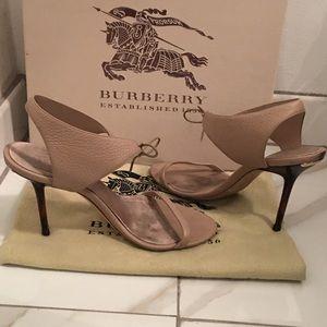 Burberry nude heels